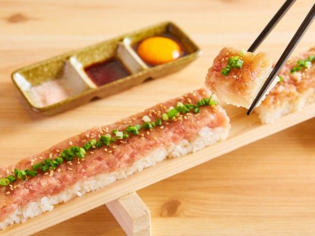 『選べる3色海鮮ユッケ寿司』が半額キャンペーン!