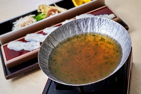 ホテルグランヴィア大阪 19階なにわ食彩「しずく」 夕食メニューイメージ「あおさ海苔鍋」