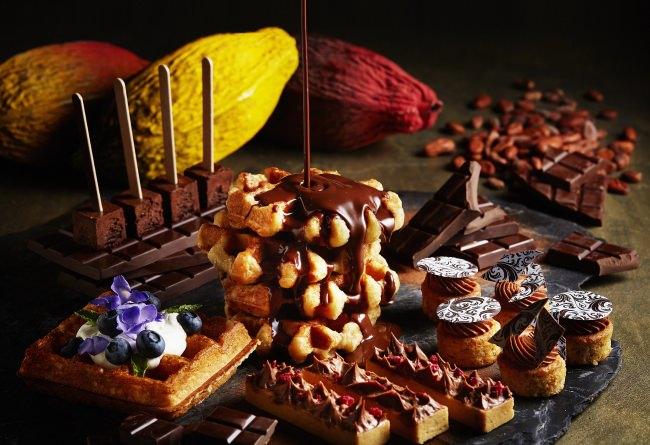 【ザ・リッツ・カールトン大阪】約50種のチョコレートづくしのメニューをご堪能いただけるチョコレートの王国『ベルギー』がテーマのアフタヌーンブッフェを10月1日~12月26日に開催