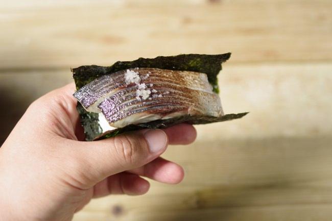 一口炙りさば海苔巻き 1個380円