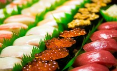 驚愕コスパの「寿司食べ放題&日本酒飲み放題3980円税込」持ち込み自由・時間制限なし!