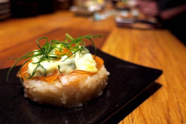 サーモンマリネの洋風押し寿司 ワサビマヨで!