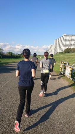 【株式会社鼓月】若手社員発案、スポーツ羊羹anpower を盛り上げるために11/3(日)大阪・淀川市民マラソンに20名が出場。
