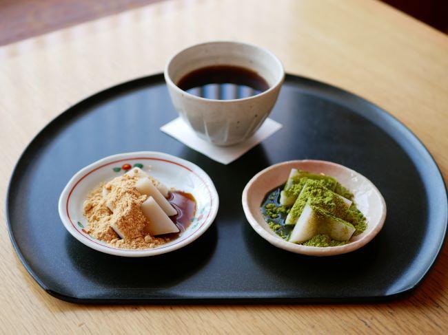 2019年11月2日(土)・3日(日)に柴又にて寅さんサミット2019が開催。船橋屋 柴又帝釈天参道店では、「徳川将軍珈琲とくず餅食べ比べセット」をお召し上がりいただけます。