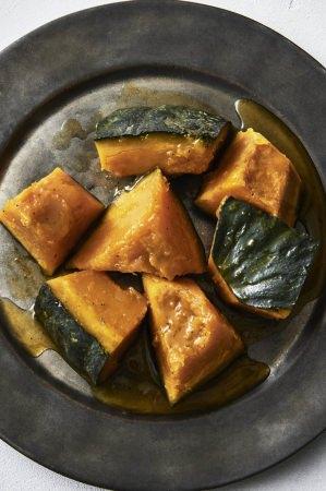 野菜の蒸し焼きは大得意のひとつ。甘みとうまみが凝縮します。