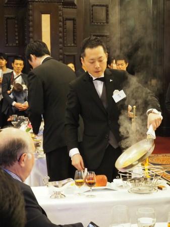 【ホテル ラ・スイート神戸ハーバーランド】日本で唯一、世界基準のレストランサーヴィスコンクールで深津茂人が優勝