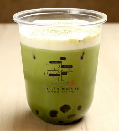 宇治抹茶ラテ¥580(税抜)・抹茶タピオカ ・黒糖わらび餅タピオカ ・白玉タピオカ入り