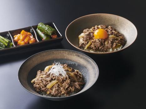〈SATOブリアン〉店主 佐藤明弘氏監修 『焼肉丼の具「ブリダレ」「すきダレ」』 発売開始