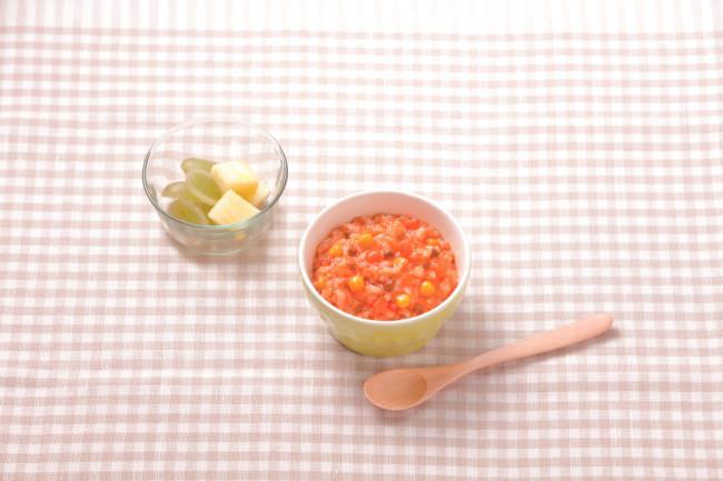 忙しい朝でも手軽に野菜を取れる!幼児食「やさいとなかよし」シリーズから「チキンライスの素」「五目ごはんの素」を新発売。併せて「野菜&果物スプレッド」をシリーズに加えます。