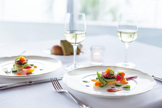 【シーボニア クラブハウスレストラン】期間限定コースを販売。三浦海岸 河津桜まつり×水平線と富士山ビューのマリーナレストランで春の食材が織りなす特別コースを販売いたしました。