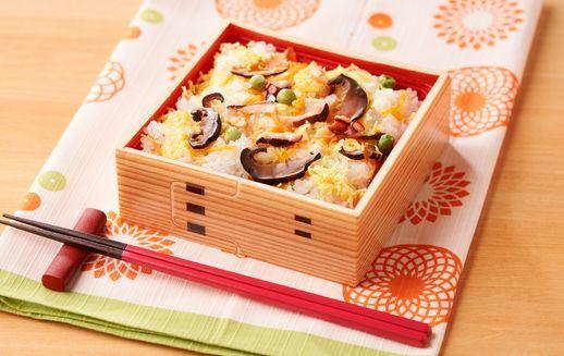 レンジで温めるだけ! 明石たこを使った夏ちらし寿司 夏季限定販売