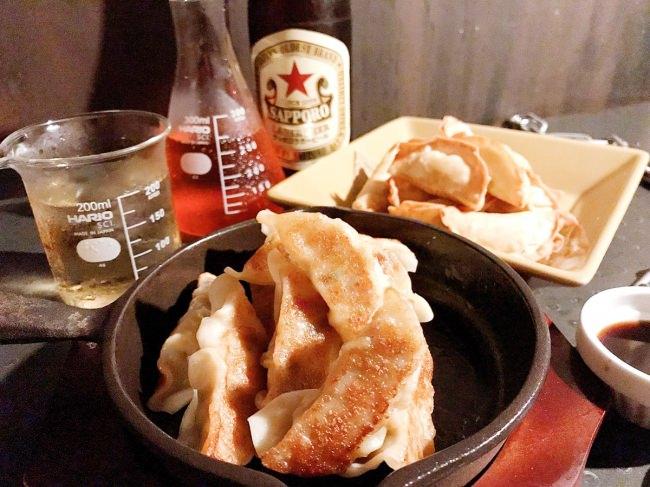 監獄レストラン「ザ・ロックアップTOKYO」 超訳アリ「餃子」の 食べ放題が破格! 【2時間 999円(税別)】ビール、ハイボール含む人気ドリンク飲み放題付きで