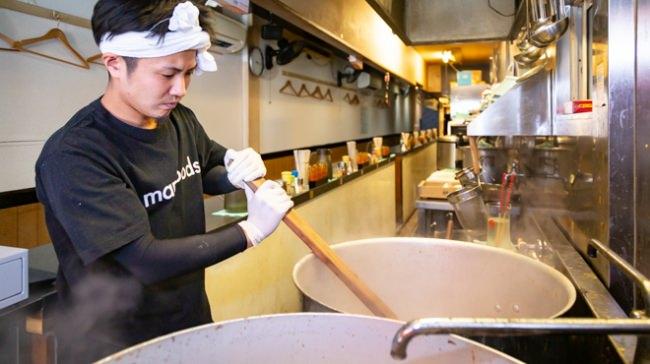 スープは店主自ら一から手作りで炊いてます