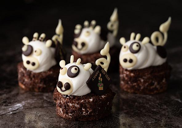 東京會舘 毎年人気の干支ケーキを販売  2021年1月限定「笑福の丑(しょうふくのうし)」