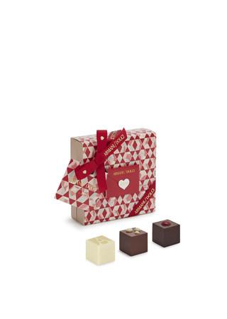 ARMANI DOLCI バレンタイン限定プラリネボックス 9個入 4,180円