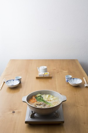 水炊き用に厳選した鍋が付きます