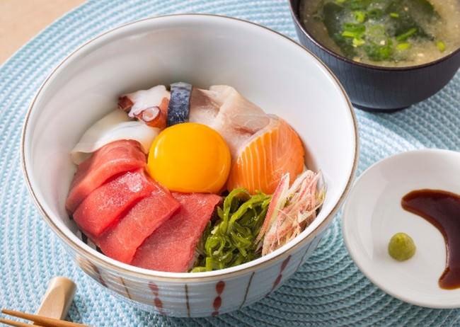 三陸海の幸!彩り海鮮丼(みそ汁つき)