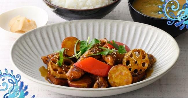 かもめの台所 豚とお野菜の黒酢あん定食 990円(税込)