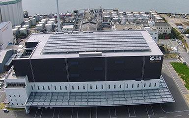 灘魚崎工場屋上の太陽光パネル
