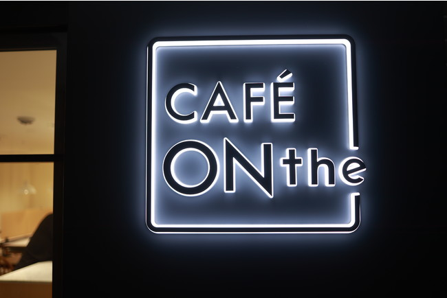 CAFÉ ONthe ホンマチ サイン