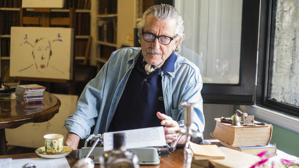 Dieter Meier in seinem Arbeitszimmer
