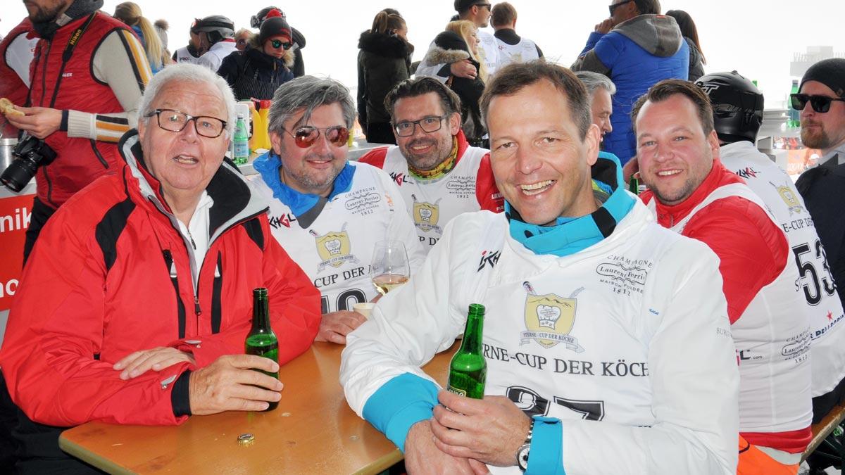 Münchener Runde: Gourmino-Express Autor Wolfgang Ritter, Hans Jörg Bachmeier, Matthias Striffler, Thomas Kellermann (kocht ab 1. 6. in Rottach-Egern), Jan Hartwig (v.li.)