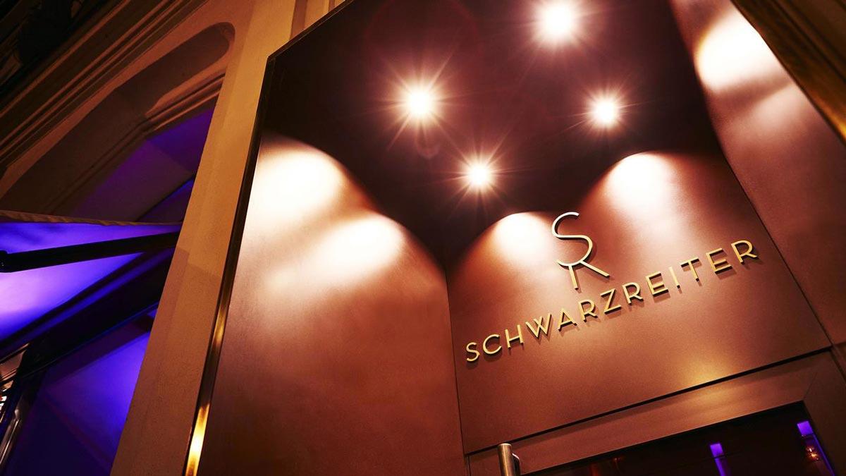 """Der """"Schwarzreiter"""", das Gourmet Restaurant im Hotel Vier Jahreszeiten München. Foto VJ"""