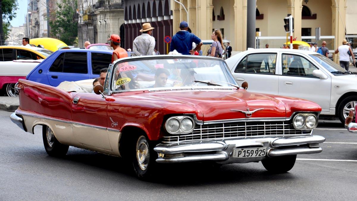 Gehörte zur automobilen Oberklasse: der 1957 Chrysler Imperial Crown, Convertible