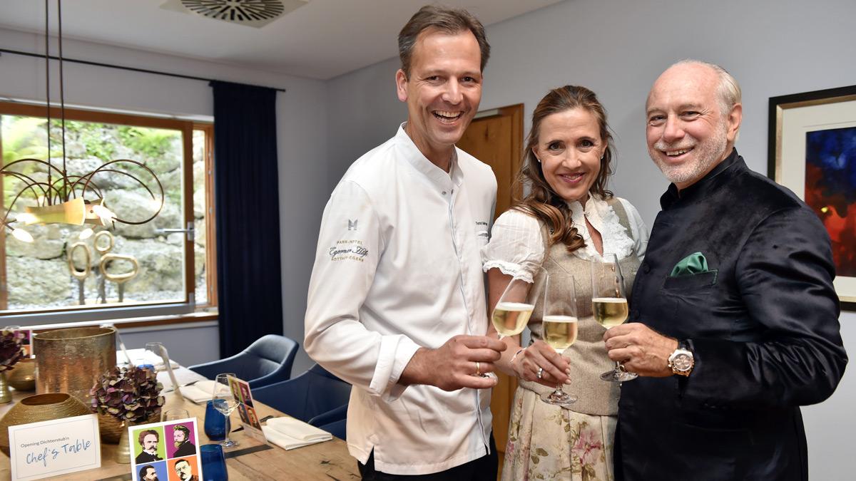 Ein erfolgreiches Trio: Susanne Gräfin und Klaus Graf von Moltke, 2-Sterne-Chef Thomas Kellermann. Foto Sabine Brauer