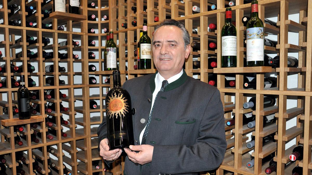 Herr über 900 Weine: Spitzen-Sommelier Guarino Tugnoli. Foto HvF