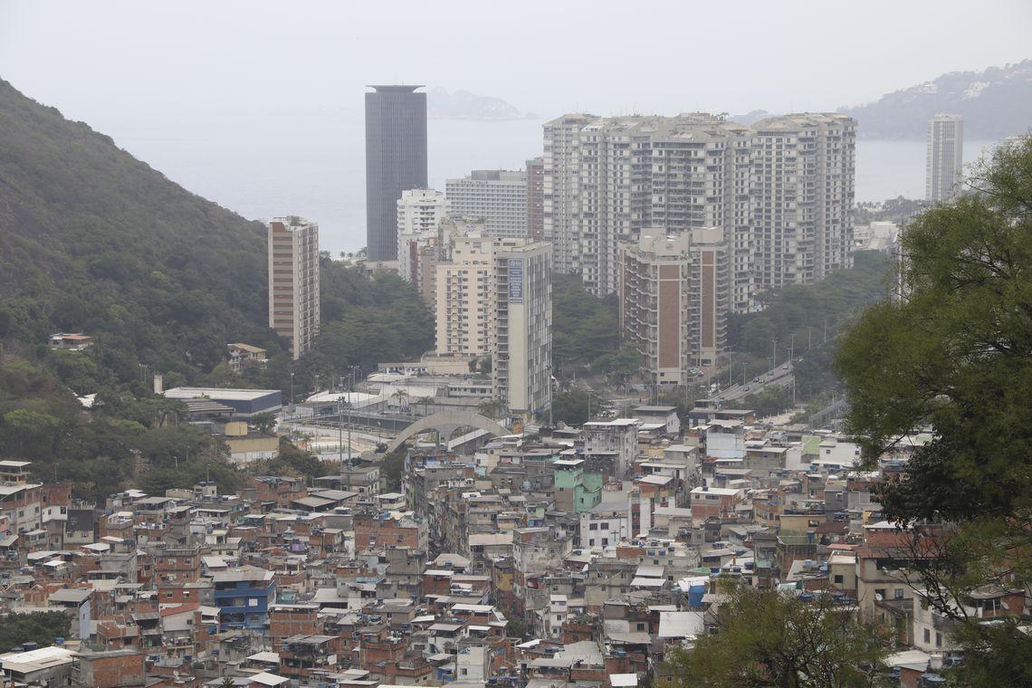 População brasileira supera 210 milhões de habitantes, segundo levantamento do IBGE