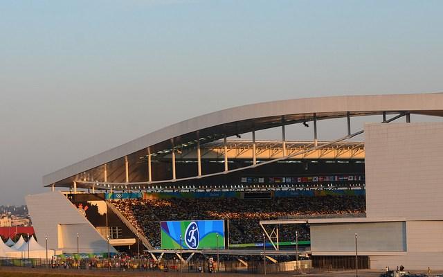A Justiça Federal de São Paulo aceitou pedido da Caixa Econômica Federal e determinou a inclusão da Arena Itaquera, empresa vinculada ao Corinthians e dona do estádio