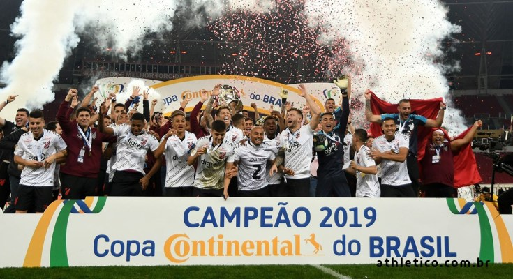 Athletico-PR derrota Inter por 2 a 1 e conquista Copa do Brasil