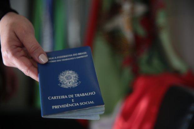 Postos do Sine Santa Catarina têm mais de 2,9 mil vagas abertas no Estado