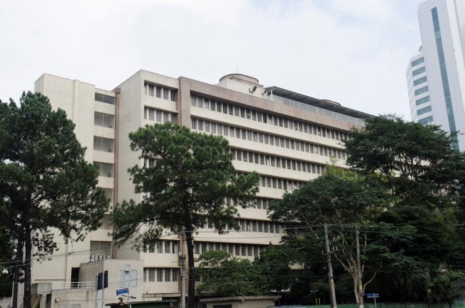 Com reforma atrasada e falta de funcionários, hospital Emílio Ribas é tema de abaixo-assinado