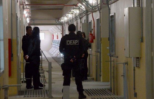 Governo de Santa Catarina faz concurso para chamar 600 novos agentes penitenciários