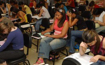 A um mês do Enem, escolas contam como contornam ansiedade de alunos
