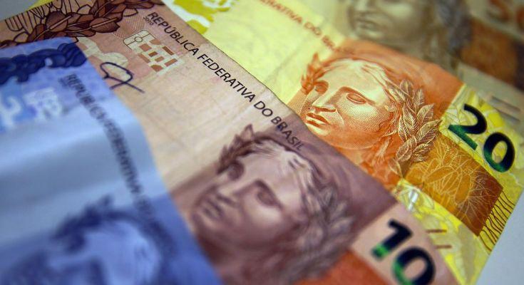 Bolsonaro diz que MP da renda emergencial de R$ 600 deve ser sancionada hoje