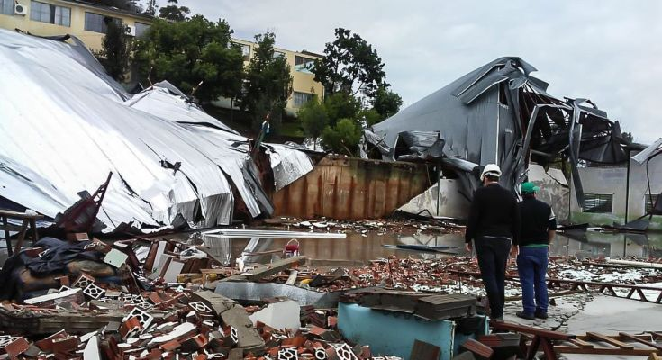 Ventos e chuvas fortes provocam três mortes em Santa Catarina