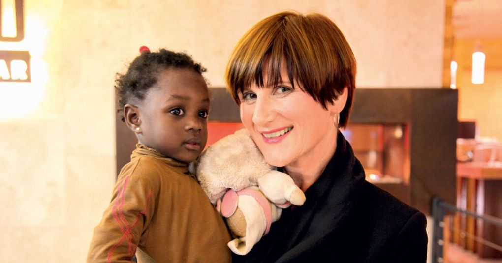 Maja Štamol Droljc obiskala Gvinejo Bissau in družini njenih posvojenih deklic