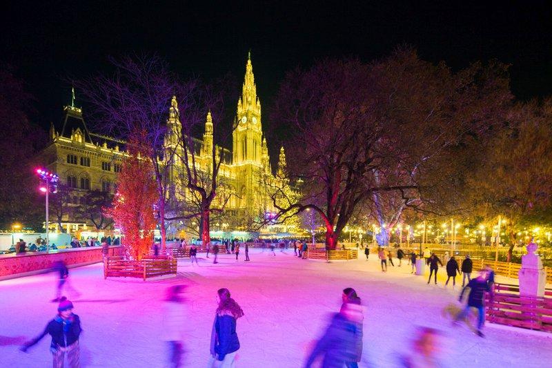 Na Dunaju vstopili v predbožični čas