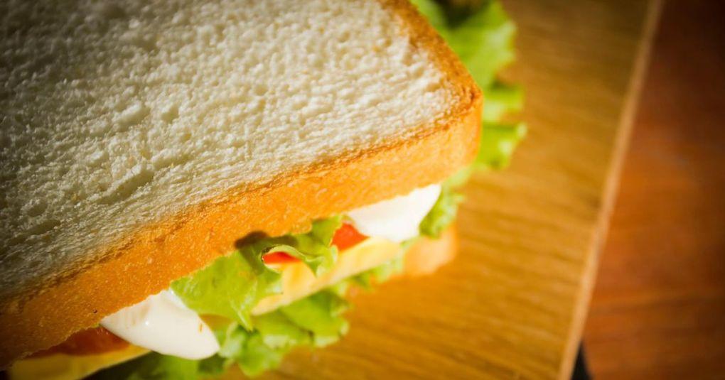 Kaj se zgodi s telesom, če nehamo jesti beli kruh ? Odločitev prinaša dobrobiti ...
