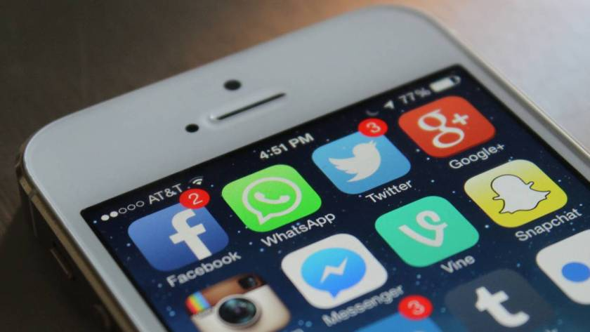 stop WhatsApp from sharing your data with Facebook