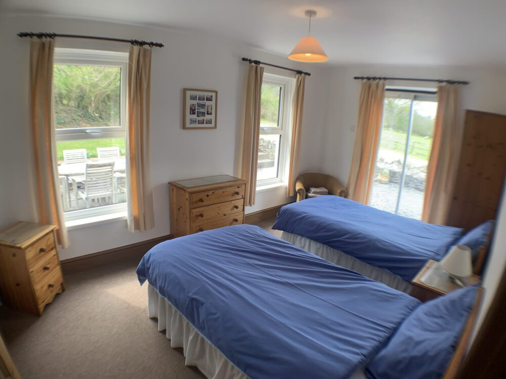 Hill House self catering holiday cottage bedroom 4