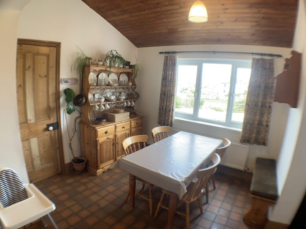 Hill House self catering holiday cottage dining