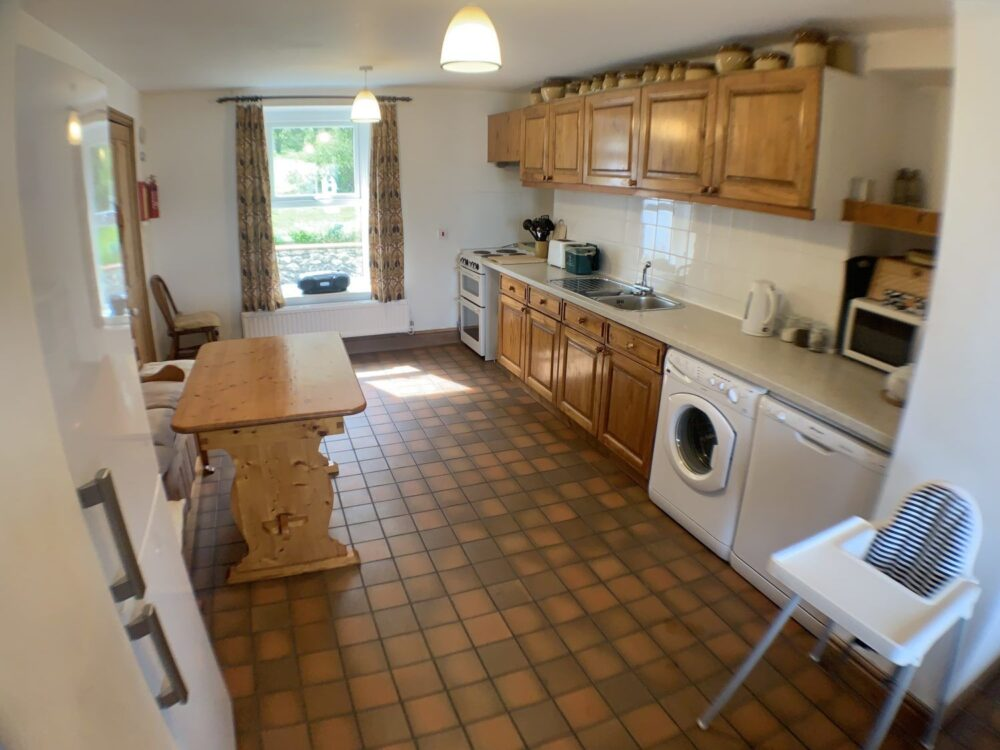 Hill House self catering holiday cottage rkitchen