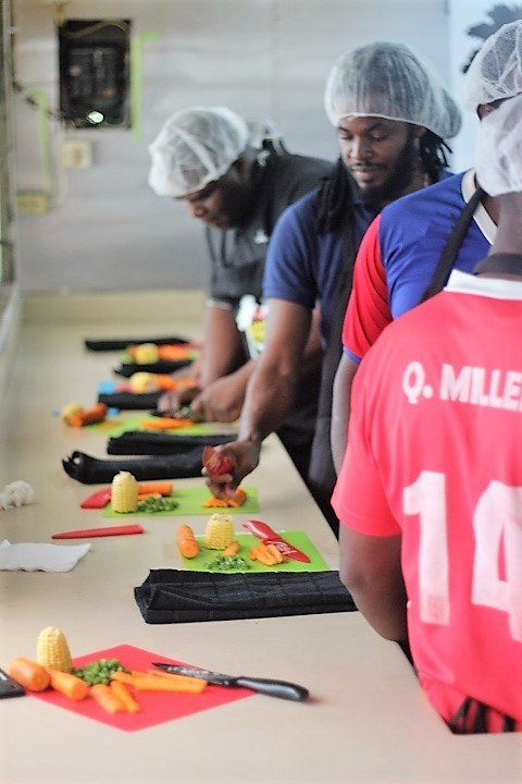 PETER IVEY MISSION FOOD POSSIBLE PHOTO (2) NOV 2018 MFP trainees prep their dishes