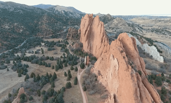 Garden of the Gods – Fly Back & Pan Down