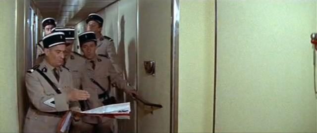 """Dans """"Le gendarme à New York"""", Louis de Funès et ses gendarmes se perdaient dans les couloirs d'un paquebot, autre lieu sans perspectives, où tout se ressemble."""