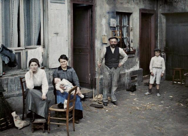 Famille rue du Pot de Fer le 24 juin 1914